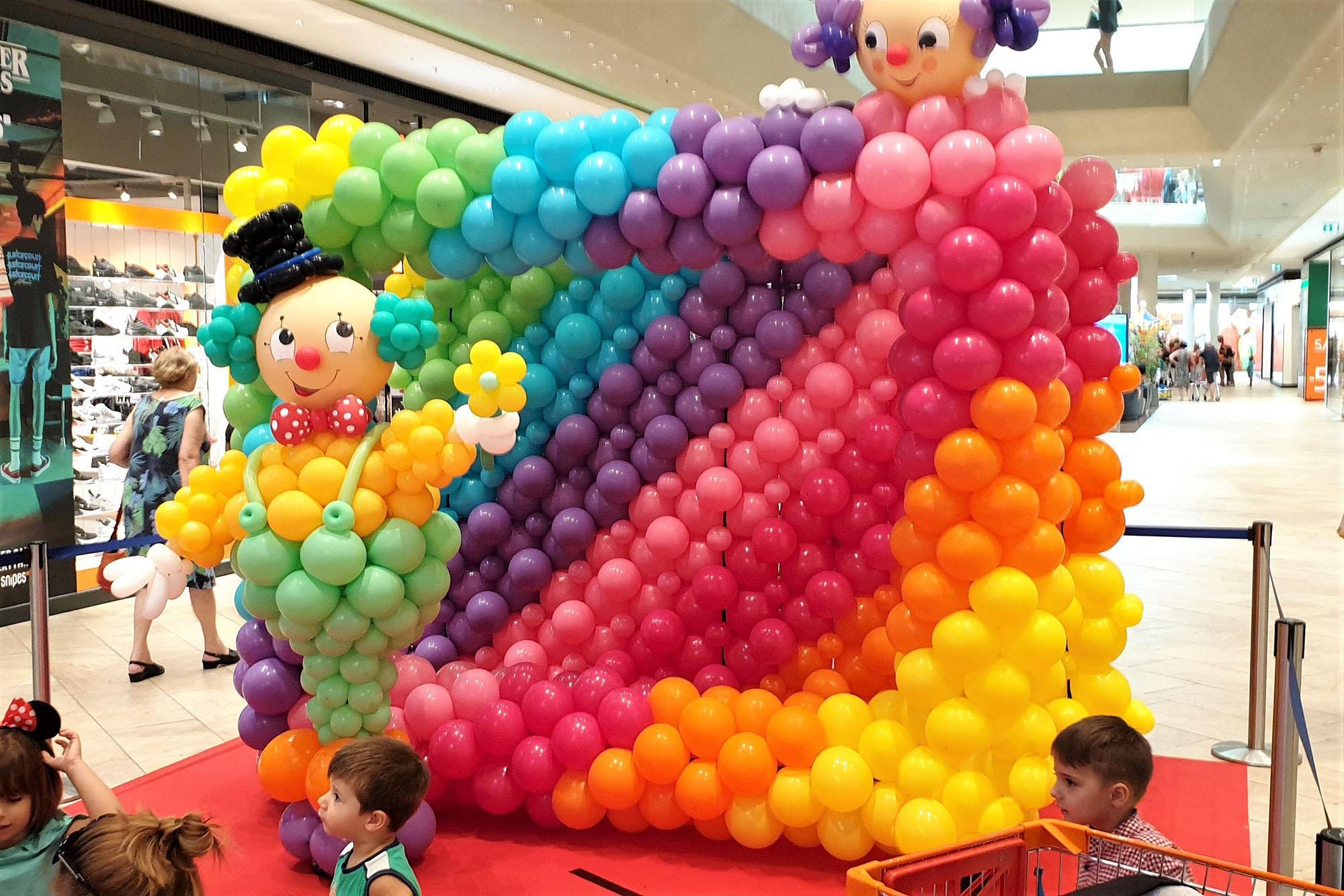 Ballonskulptur für Fotobox im EKZ Fischaprk in Wiener Neustadt