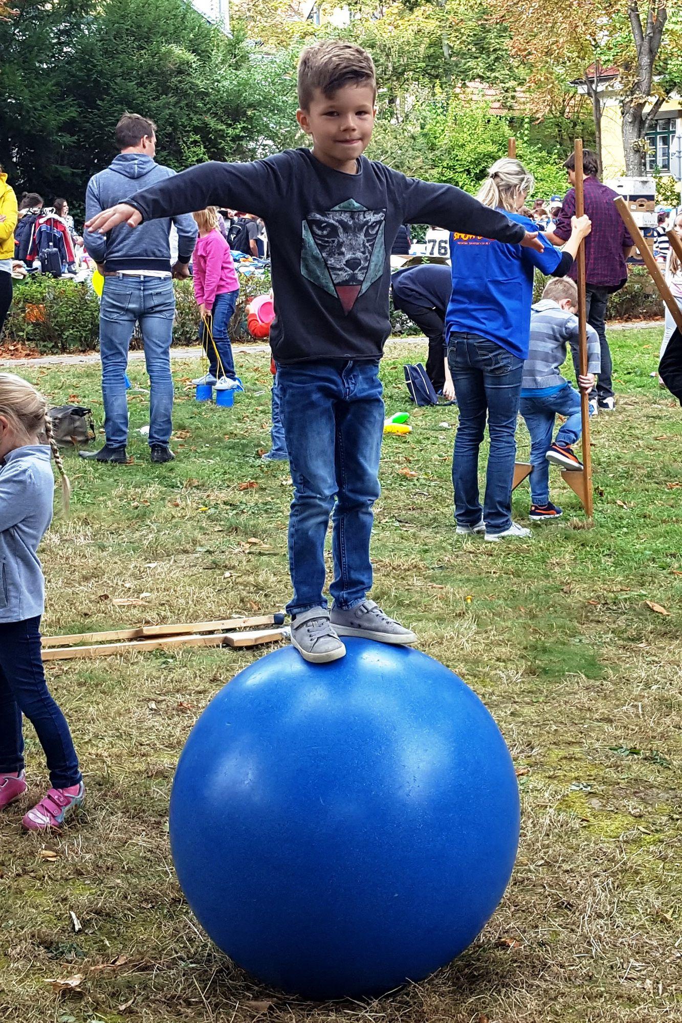Jonglierworkshop am Hügelparkfest in Wien