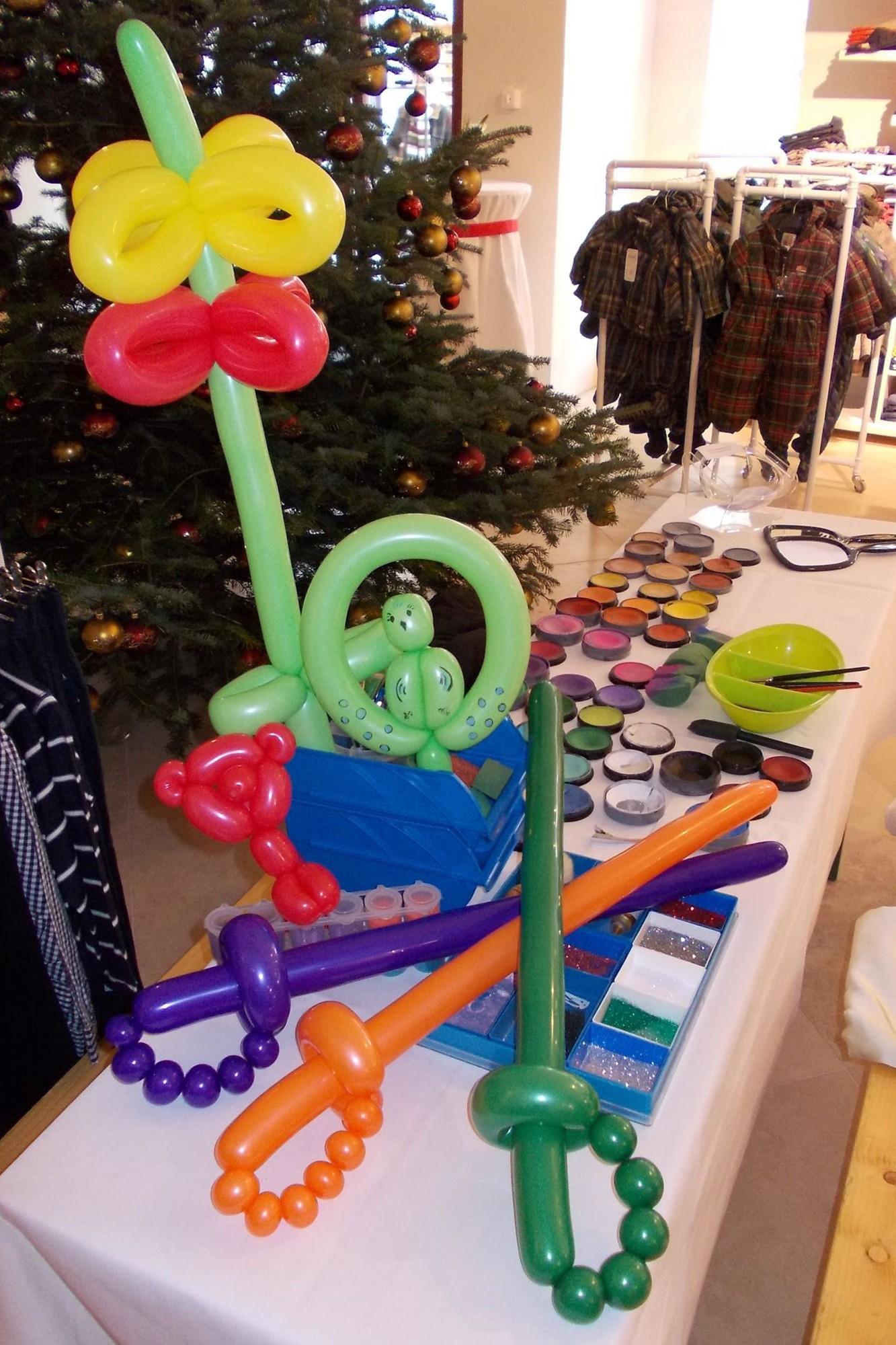 Tiere, Blumen, Hüte und Schwerter aus Modellierballons