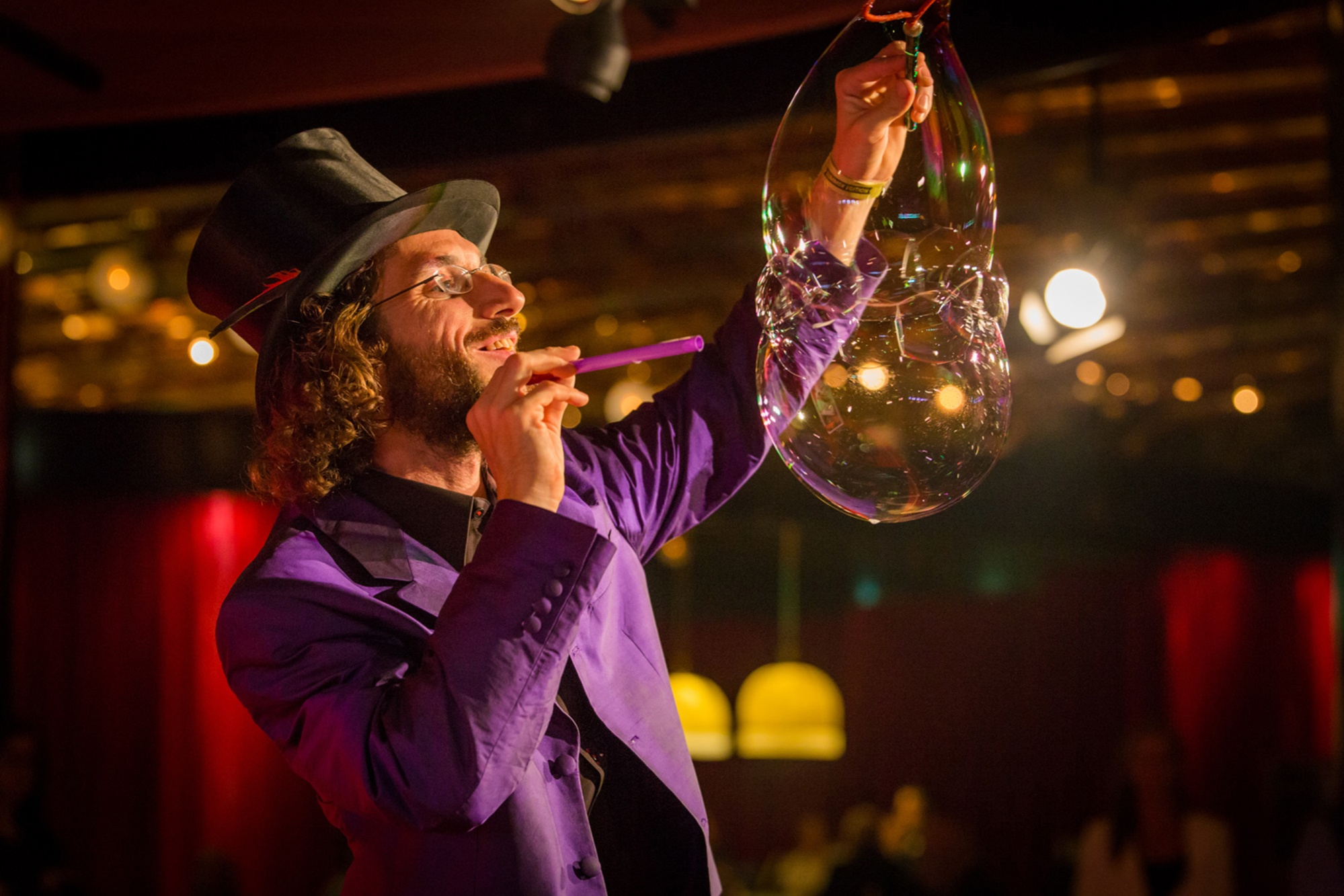 Riesenseifenblasen Show als Höhepunkt für jede Gala oder Veranstaltung